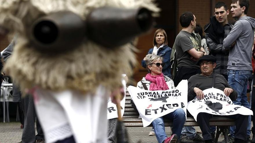 Un juzgado suspende un acto por los presos de ETA en Ikaztegieta (Gipuzkoa)