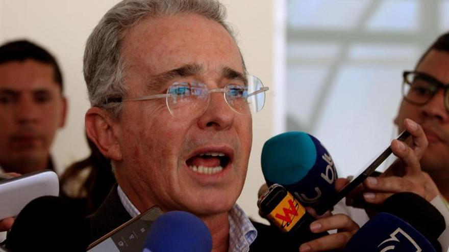 La UIMP anula el acto de entrega de la medalla de honor a Álvaro Uribe