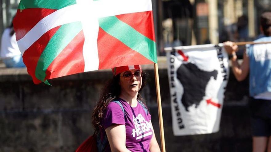 """Cientos de personas marchan en San Sebastián en favor de la """"República vasca"""""""