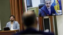 El vicepresidente del Gobierno de Canarias, Román Rodríguez, en una comparecencia ante el Parlamento