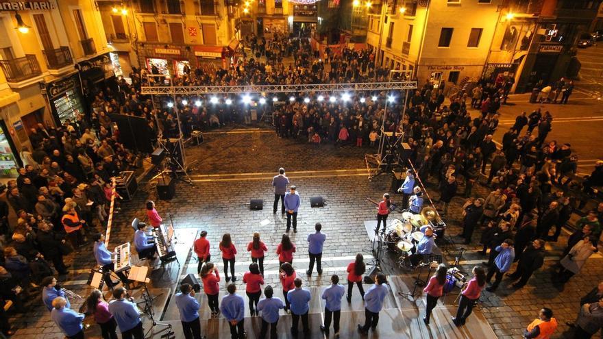 El coro gospel 'Cada día en Su Presencia' ofrece este lunes un concierto en la Plaza del Ayuntamiento de Pamplona