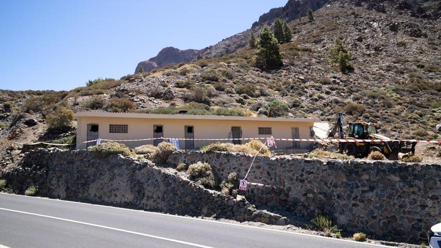 El Cabildo finaliza la demolición del antiguo refugio de montañeros de Ucanca