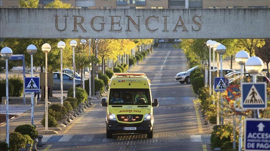 """""""El traje de seguridad me estaba corto"""", dice el médico que asistió a la enferma de ébola"""