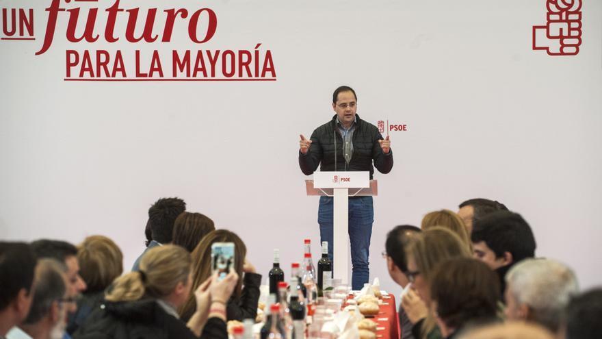 César Luena ha participado en la tradicional comida que el PSOE de Cantabria celebra anualmente en Val de San Vicente. | J.G.Sastre