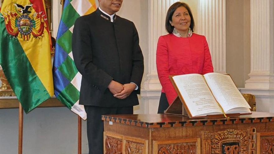 La embajadora de Bolivia en España asume como la nueva vicecanciller de su país