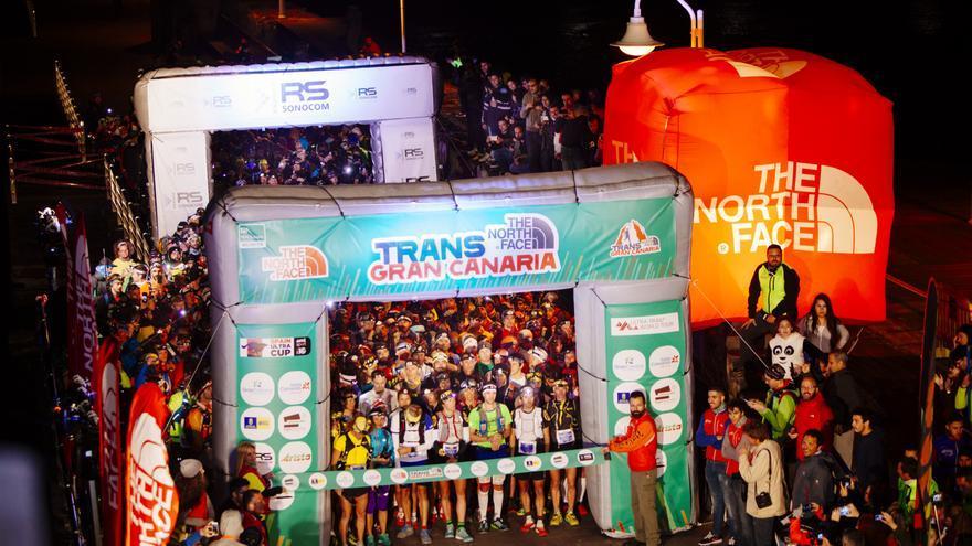 Imagen de la salida de una de las ediciones de la Transgrancanaria Maratón.