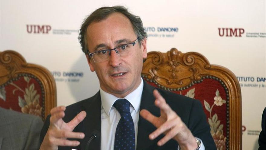 """Alonso insta al PSOE a decidir y a acabar con el """"juego de dilatar las cosas"""""""