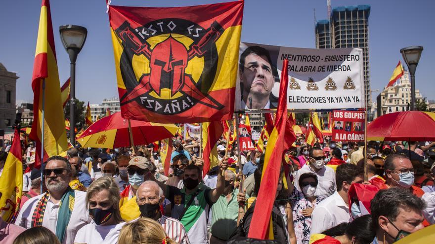 Los partidarios de Vox ocupaban las primeras filas de la manifestación de Colón.