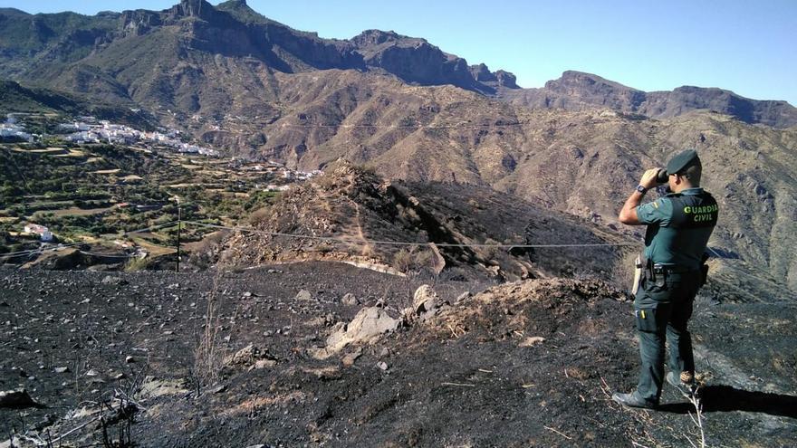 La Guardia Civil vigila el entorno de Tejeda, quemado por el incendio en Gran Canaria