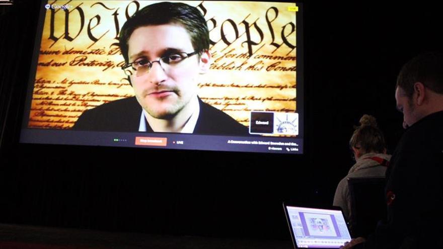 """Snowden hablará vía satélite en el preestreno de su """"biopic"""" con Oliver Stone"""