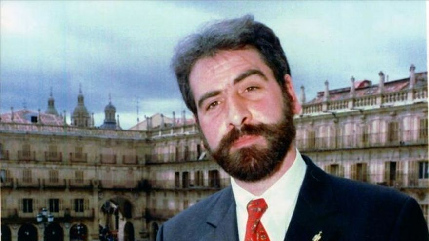 Piden que se retire un premio de hace 26 años por plagiar a Mujica Lainez