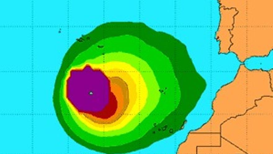 Mapa de direcciones y velocidades probables de 'Nadine', según datos del Centro Nacional de Huracanes de EEUU de este sábado.