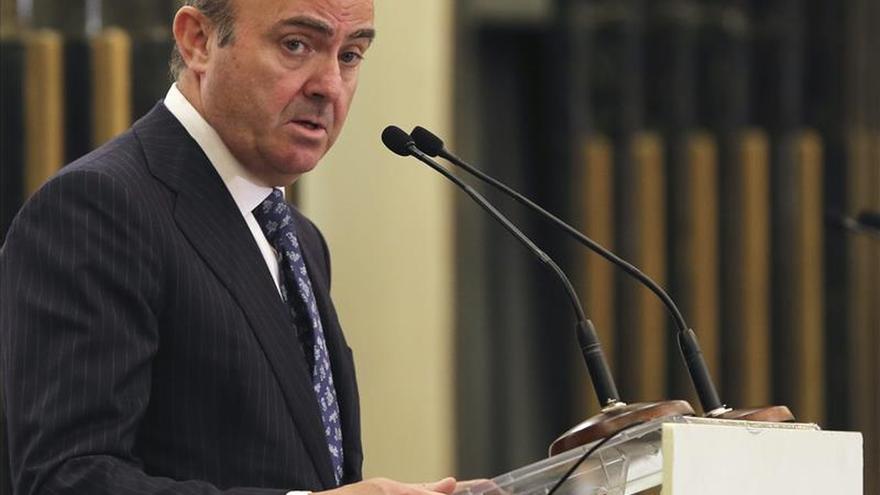 De Guindos rechaza confirmar si Rato está investigado por blanqueo de dinero
