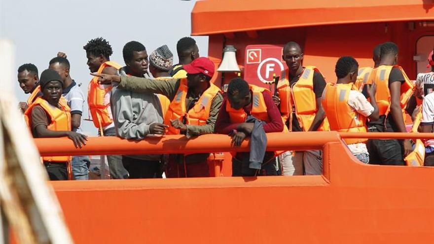 Rescatados 208 inmigrantes este fin de semana frente a las costas andaluzas