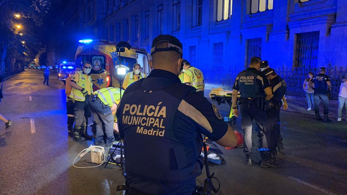 Policía Municipal de Madrid y servicios de Emergencia, en el lugar del atropello
