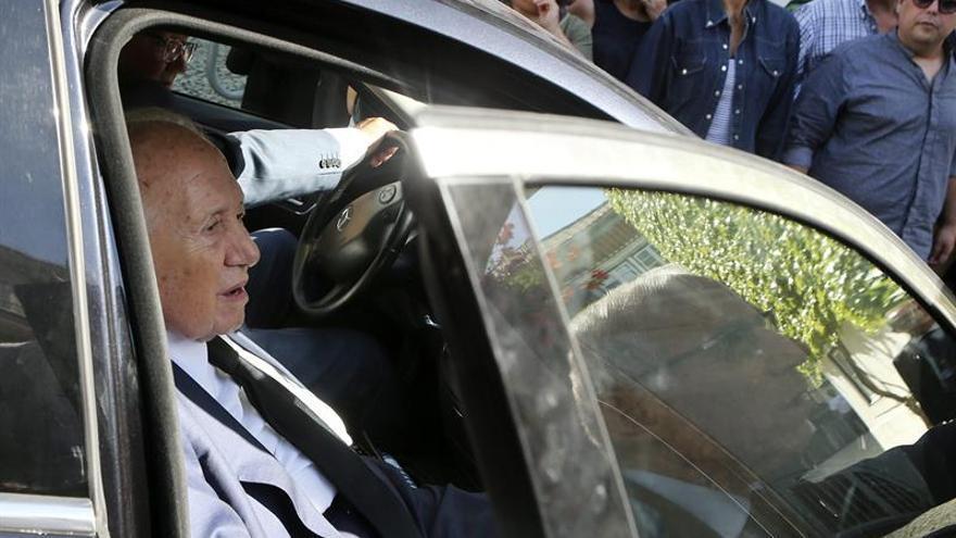 El expresidente luso Soares sigue mejorando pero continúa en cuidados intensivos