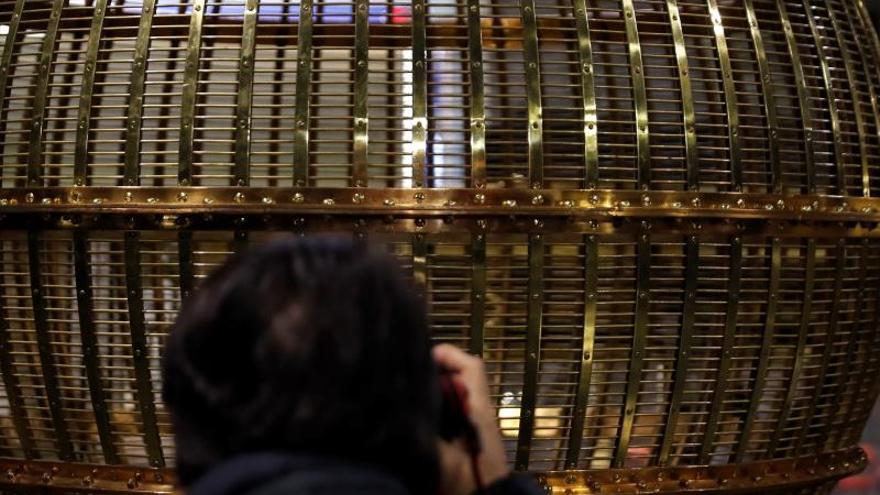 Cuidado con la lotería de Navidad: que no te toque una estafa