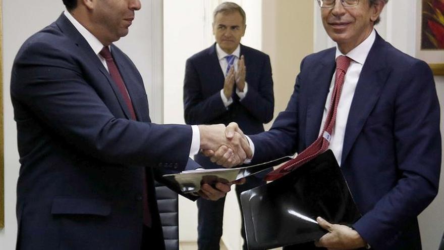 Efe y el Gobierno paraguayo firman un memorándum tras el encuentro de Vera y Cartes