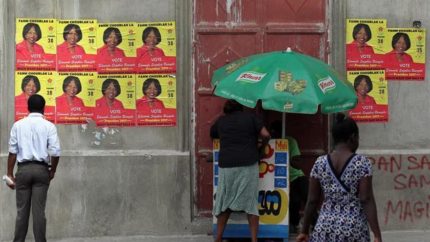 Propaganda, música y ron para los actos de cierre de campaña en Haití