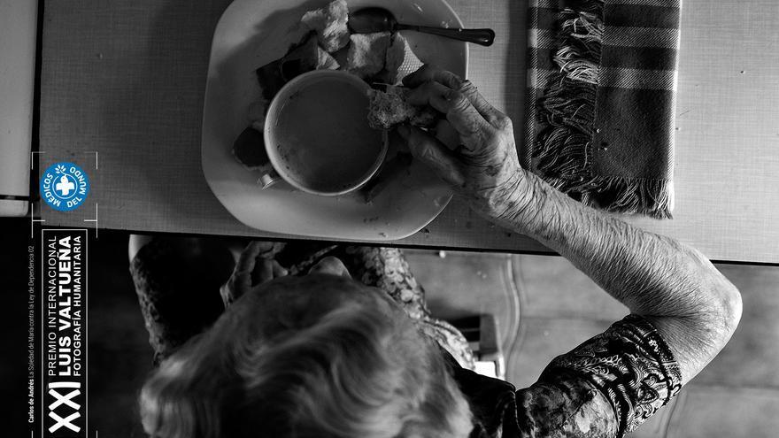 Desayuno en la cocina. Foto: Carlos de Andrés. Ganador del XXI Premio Internacional de Fotografía Humanitaria Luis Valtueña de Médicos del Mundo. 2017-2018