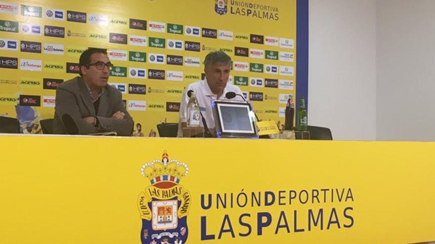 Quique Setién durante la rueda de prensa previa al encuentro frente al Deportivo de La Coruña. (Twitter oficial UD Las Palmas).