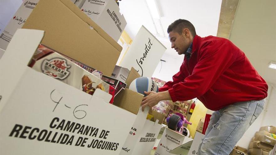 Cruz Roja inicia una campaña para recoger juguetes para 25.000 niños en Cataluña