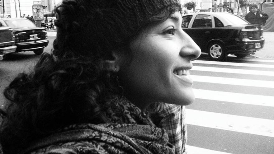 La autora, Sarah Babiker, en Buenos Aires.