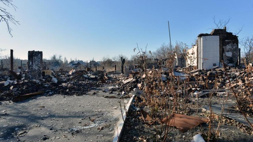 A pesar de la firma de un acuerdo de alto el fuego el 5 de septiembre, los combates han continuado en las regiones de Donetsk y Luhansk en el este de Ucrania. En las ciudades situadas a lo largo de la línea del frente, los bombardeos continúan, y, en algunos distritos, la gente tiene que permanecer en sótanos o refugios antiáereos de la época de Segunda Guerra Mundial para estar seguros. Fotografía: Julie Rémy / MSF