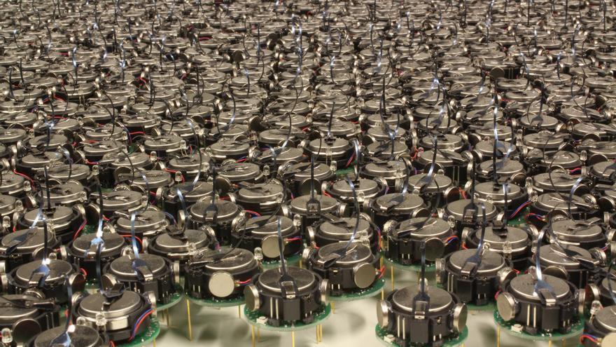 El ejército de 1024 kilobots que han conseguido en la Universidad de Harvard (Foto: Michael Rubenstein)