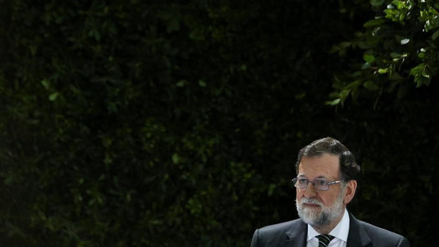 Rajoy pide igualdad de condiciones para el comercio online y físico