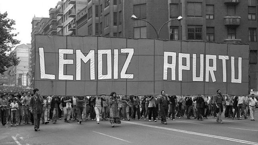 C:\fakepath\Protesta en Bilbao contra la construcción de Lemoiz, en 1981, Foto Archivo personal de Jonan Zinkunegi.jpg