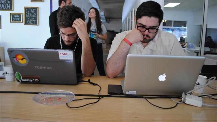 EE.UU. aprueba un plan que permitirá cobrar por canales rápidos en internet