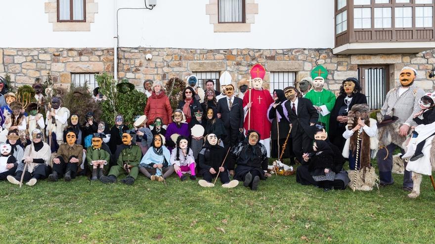 La mascarada Los Zamarrones de Lanchares incorpora nuevos trajes y personajes