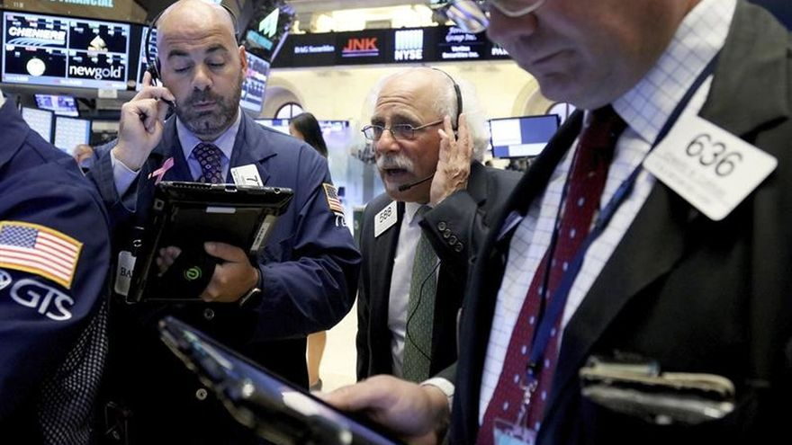 Wall Street abre con nuevos récords en el Dow Jones y el S&P 500