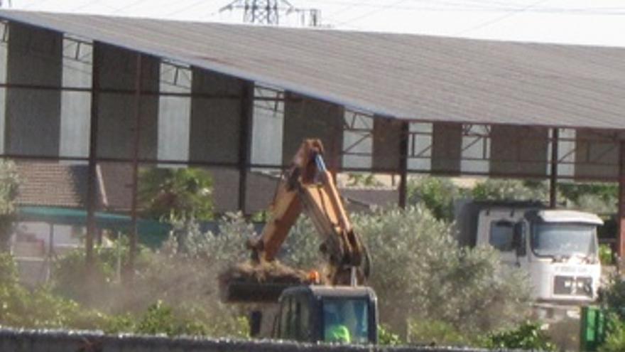 Excavadora En La Finca De Las Quemadillas De Bretón