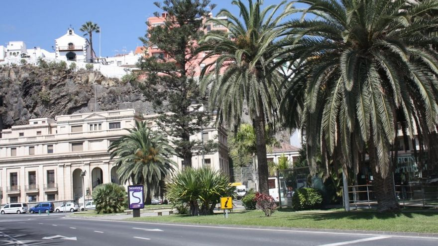 En la imagen, Plaza de la Constitución con el edificio de Corros al fondo.