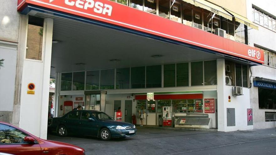 Cepsa gana la primera compra colectiva de carburante de la OCU