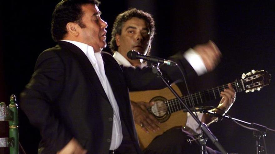 Muere en Sevilla el guitarrista flamenco Quique Paredes