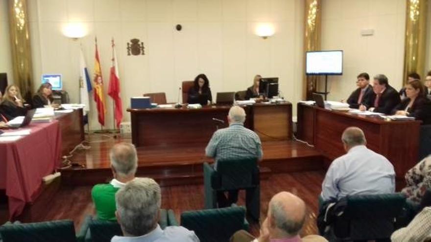 Los exalcaldes Díaz Helguera y Muguruza, condenados a  inhabilitación por prevaricación en Santa Catalina