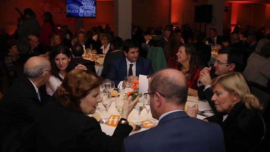 Lola Velarde y Juan de Dios Dávila en la cena de los premios HazteOir.org 2017