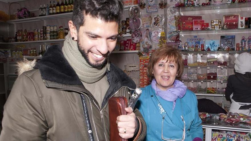 El Gordo va a Talavera y Cuenca de la mano de una pastelera y un veraneante