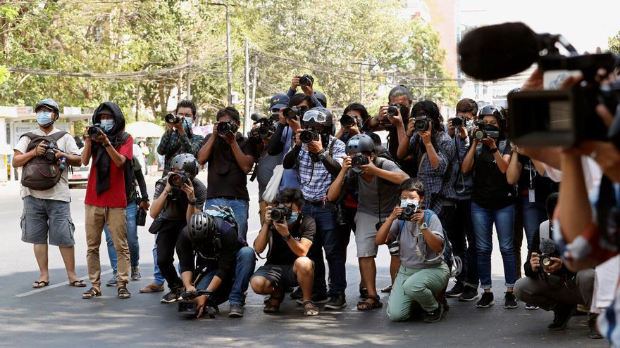 Miedo y trauma, el coste de ser periodista bajo la junta militar birmana