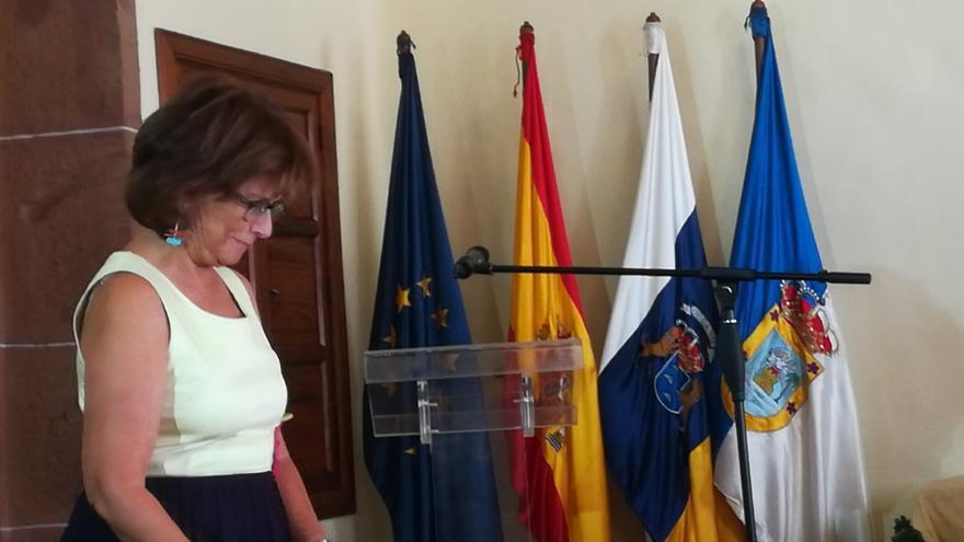Milagros Fuentes durante su toma de posesión como adjunta del Diputado del Común.