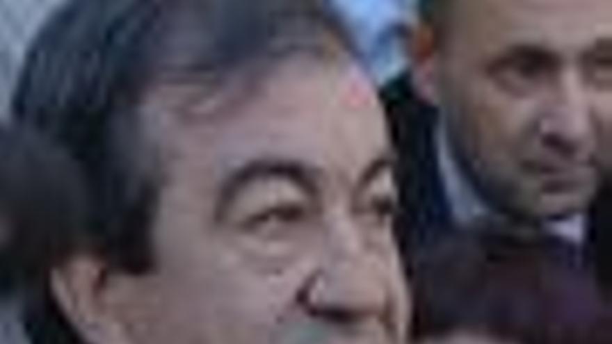 Cascos denuncia al PP de Gijón por tirar a la basura su archivo personal que fue encontrado por un vecino en abril