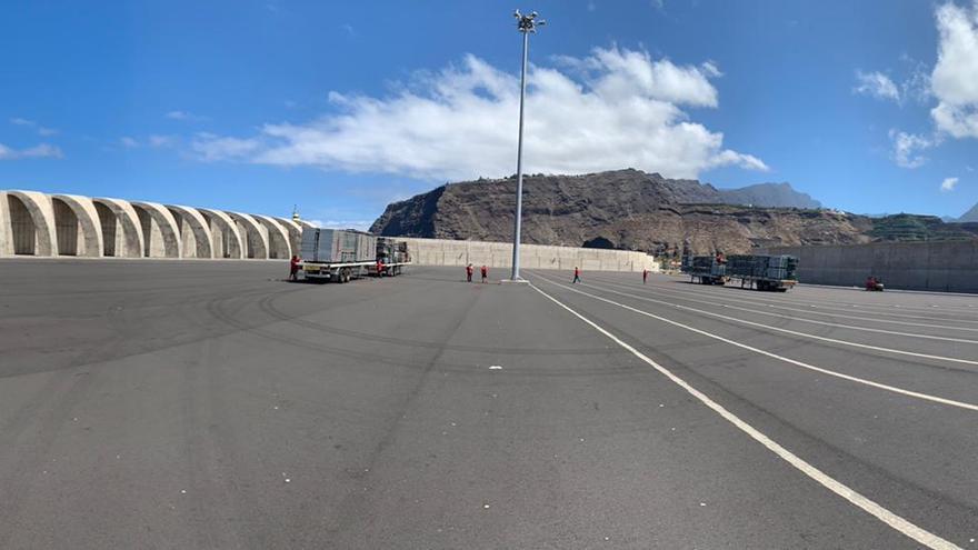 El Puerto de Tazacorte este lunes en los inicios del montaje.