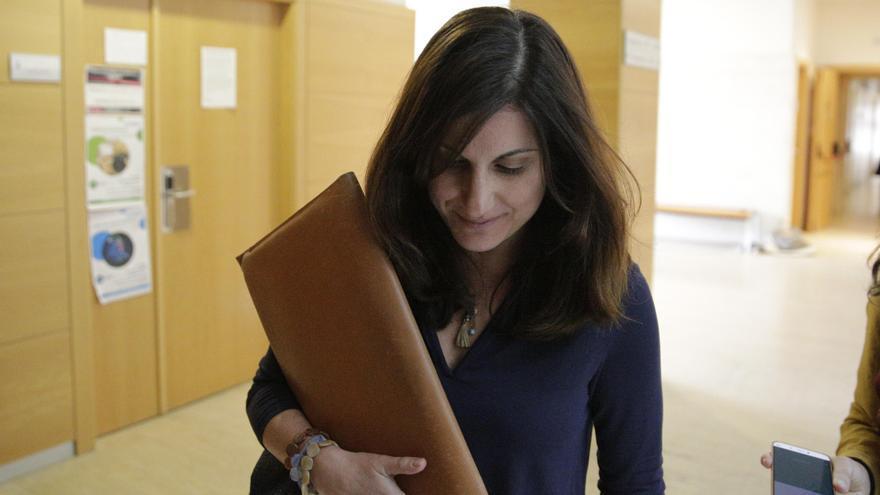 Clara Souto, en los pasillos de la URJC. Foto: Olmo Calvo.