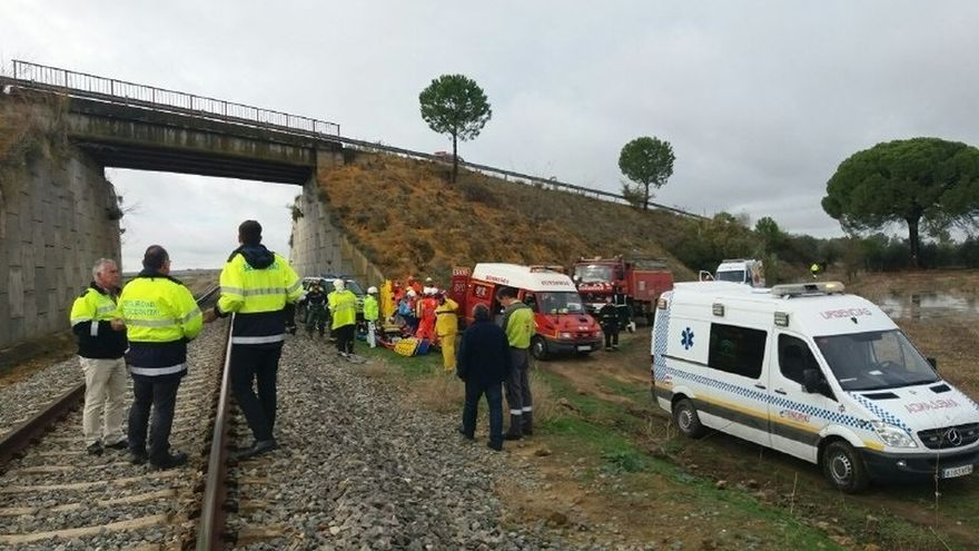 Ascienden a 21 los heridos, uno grave, tras descarrilar un tren entre El Sorbito y Arahal