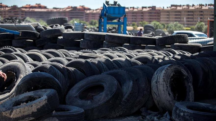 Cuatro meses después, se han retirado 3.100 toneladas de neumáticos de Seseña