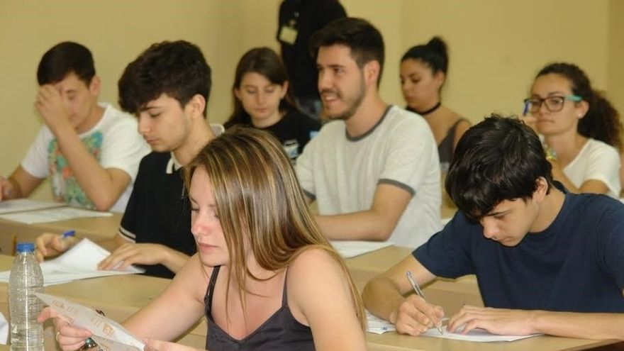 La prueba de Bachillerato para acceder a la Universidad será este año como Selectividad, pero más cerca de fin de curso