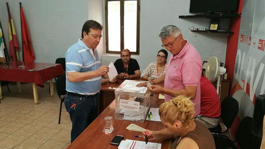 Fernández Vara gana las primarias y seguirá al frente del PSOE de Extremadura